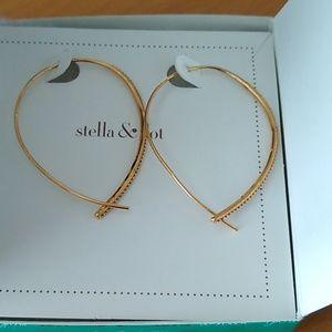 Stella & Dot new in box dangle earrings